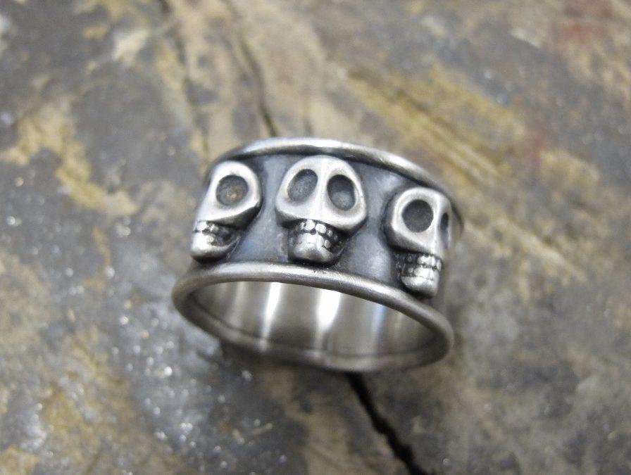 Ring Skulls