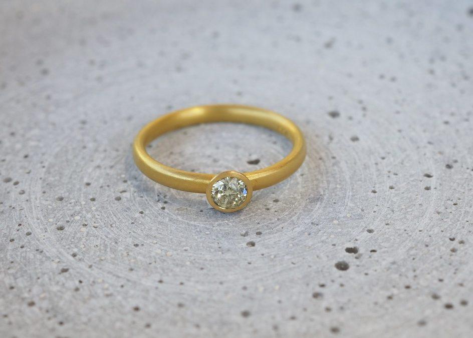 Ring Gold mit Altschliffdiamant