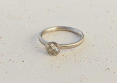 Ring Platin mit Altschliffdiamant
